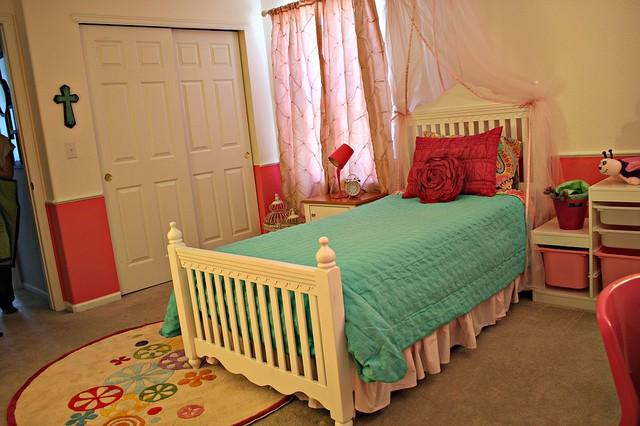 Fantastic Pinktastic Girl's Room traditional-kids