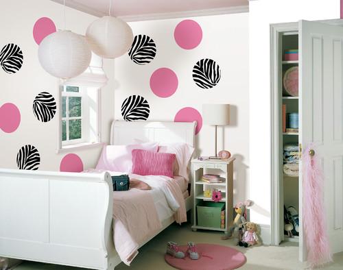 круги и горошки в дизайне комнаты для девочки подростка фото
