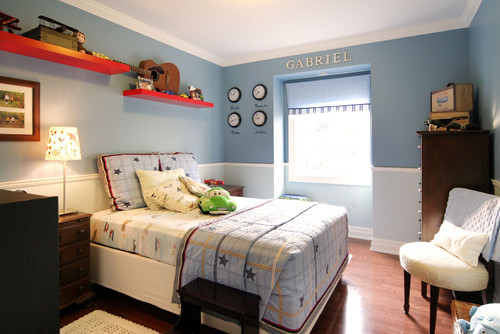 Blue room, red room, blue and red, room ideas, inspiration, room inspiration, kids room, red shelves, teen room