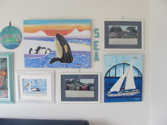 gallery wall eclectic-kids