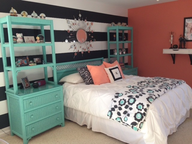 Girl 39 s teal coral bedroom for Black and teal bedroom designs