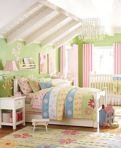 Girls bedroom traditional-kids