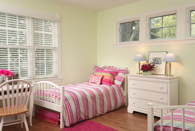 Girls bedroom traditional kids chicago by normandy for Rooms for kids chicago