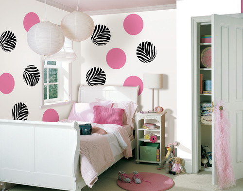 simple polka dots or geometrics are perfect for kids bedrooms