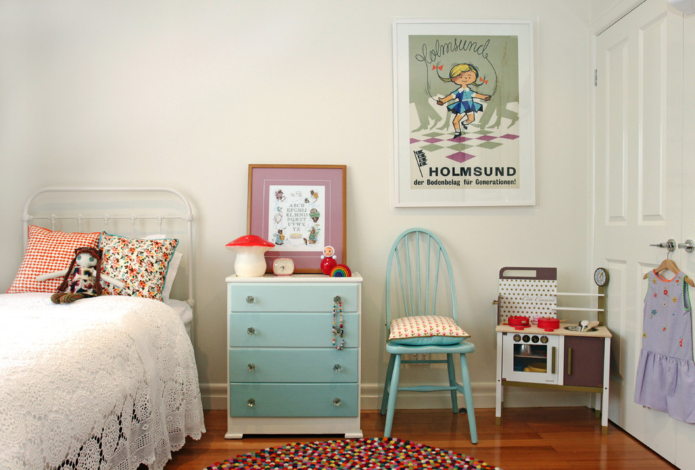Inspiration for a timeless girl playroom remodel in Melbourne