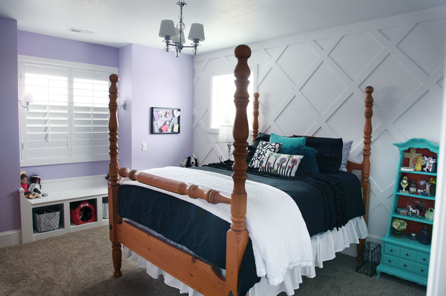 Example of a mid-sized arts and crafts girl carpeted kids' room design in Salt Lake City with white walls