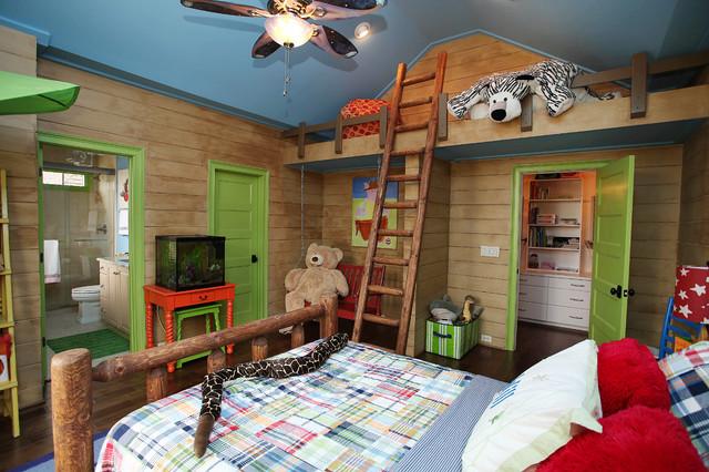 Idées déco pour une chambre d'enfant de 4 à 10 ans classique avec un sol en bois foncé.