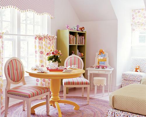 Creative girls room window treatments design dazzle for Kids room window treatment