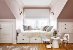 Rosa y blanco para el bonito dormitorio de una niña de cinco años