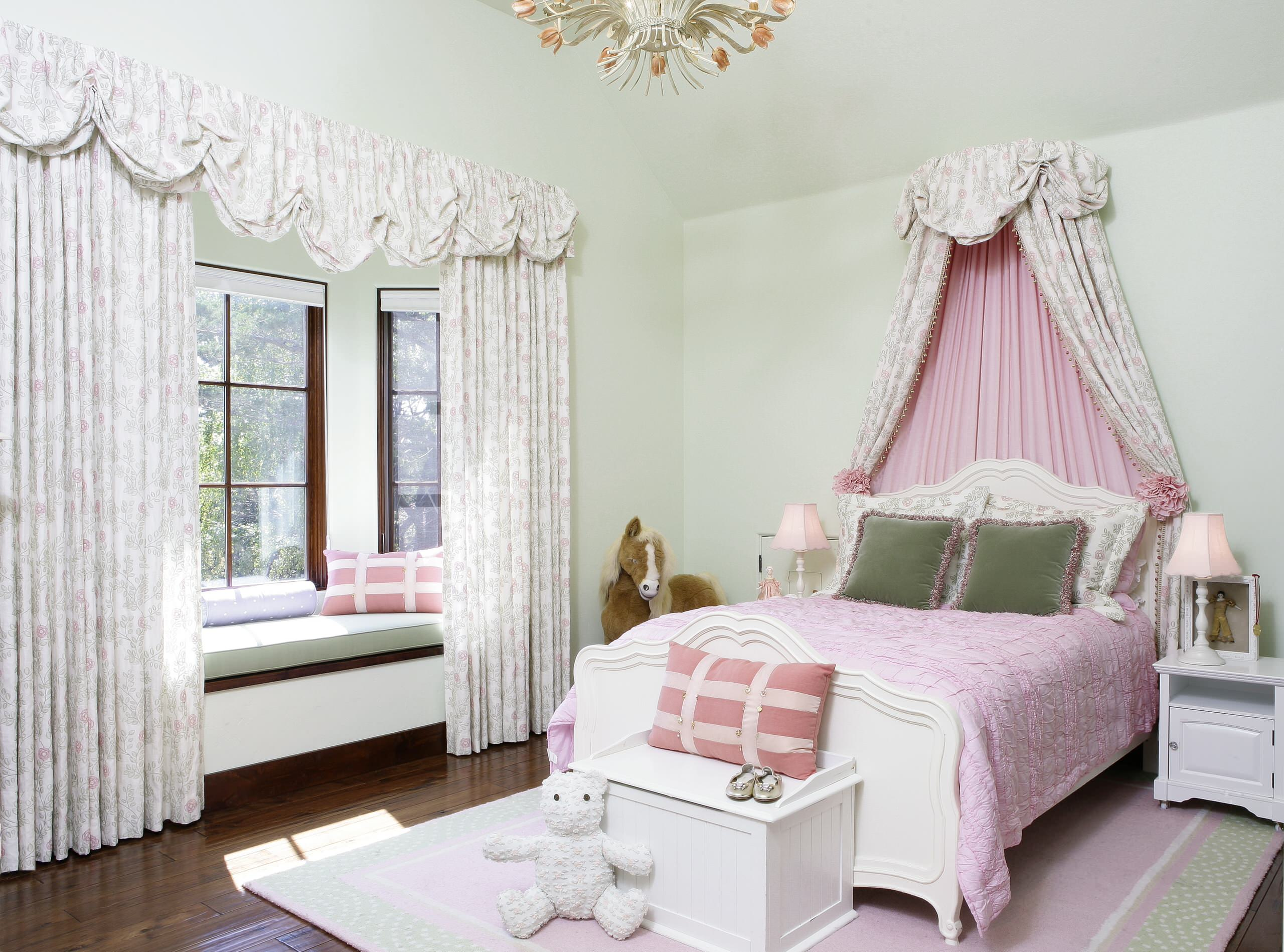 75 Beautiful Kids Room With Green Walls Pictures Ideas February 2021 Houzz