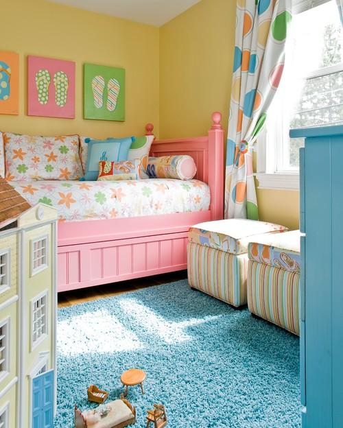 яркая цветовая палитра для классического интерьера девочки розовый желтый голубой цвета отделки