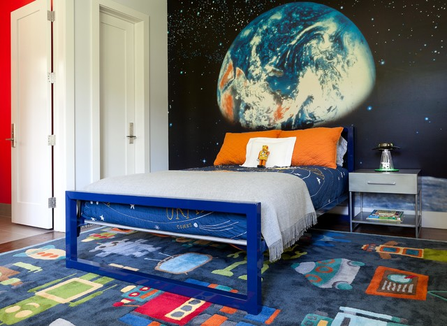 Inspiration for a contemporary boy kids' room remodel in New York with multicolored walls
