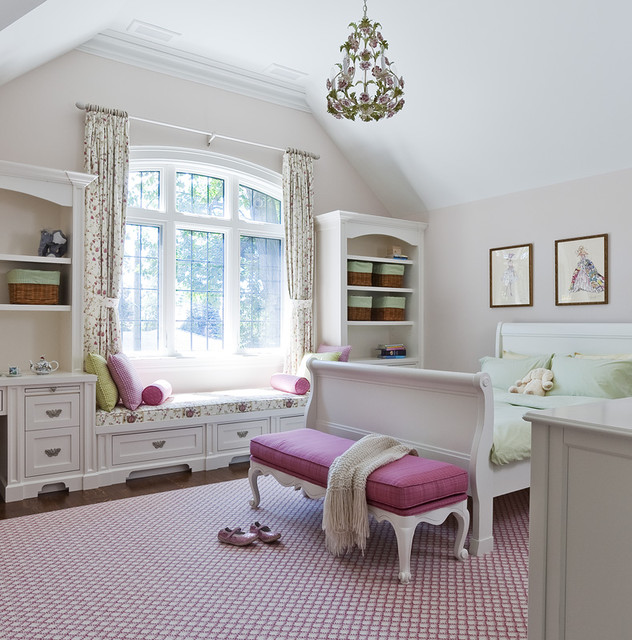 Jill Greaves Design Girl's Bedroom with Window Seat ...