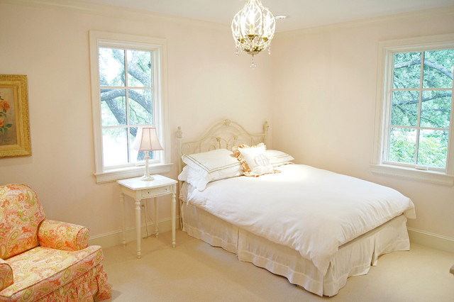 Kara Weik © 2012 Houzz traditional-kids
