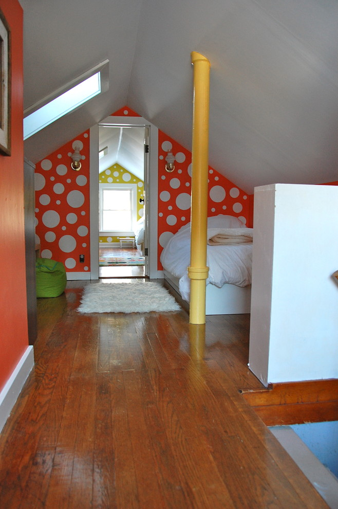 Example of an eclectic kids' room design in New York