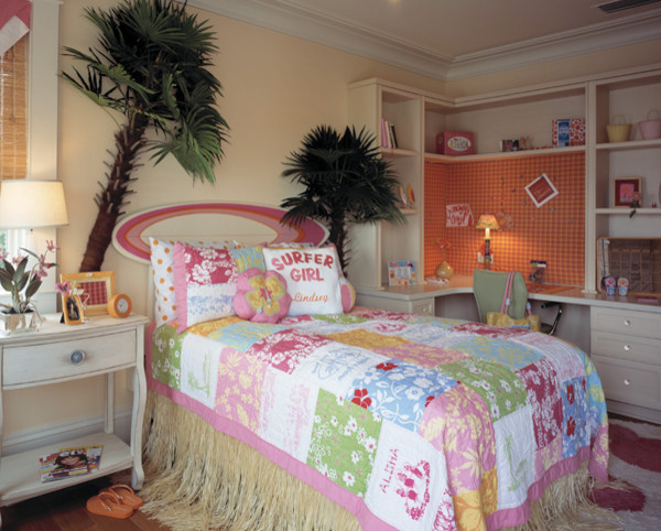 Kid's Bedroom & Playroom traditional-kids