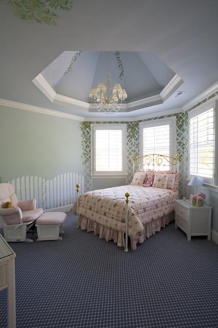 Kid's Room traditional-kids