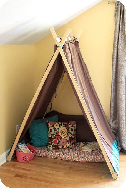 Kids Reading Nook / Tent eclectic kids