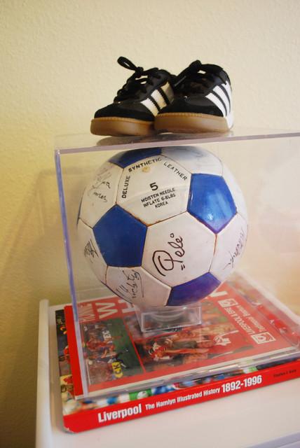 Kix's Soccer Room modern-kids