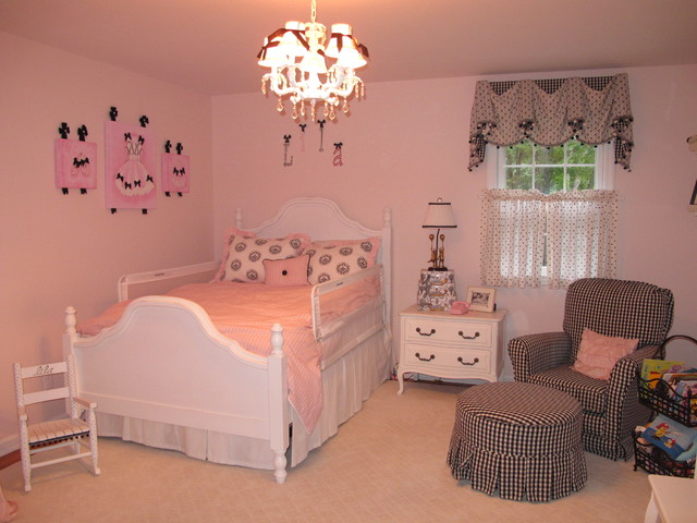 Lila S Pink Black And White Room Traditional Kids New York By Sweet Lullaby Houzz Uk