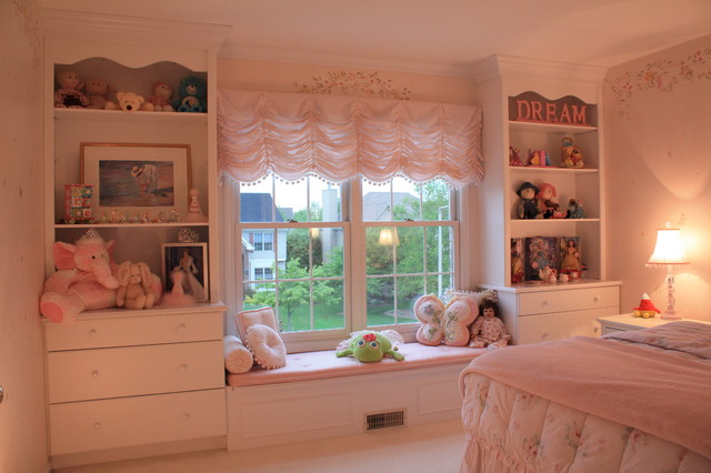 Little girl bedroom traditional kids chicago by for Rooms 4 kids chicago