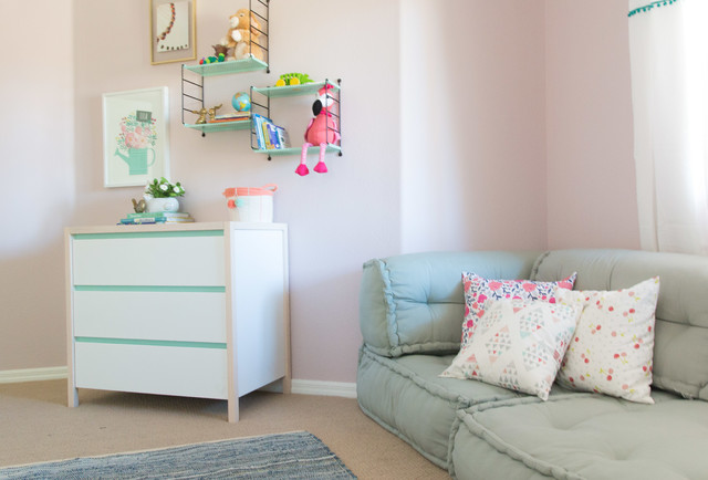 Inspiration for an eclectic kids' room remodel in Las Vegas