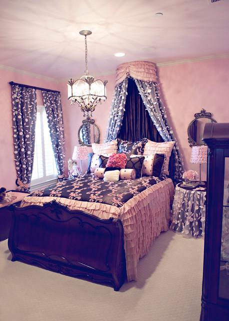Little Girls Sweet Dreams bedroom traditional-kids