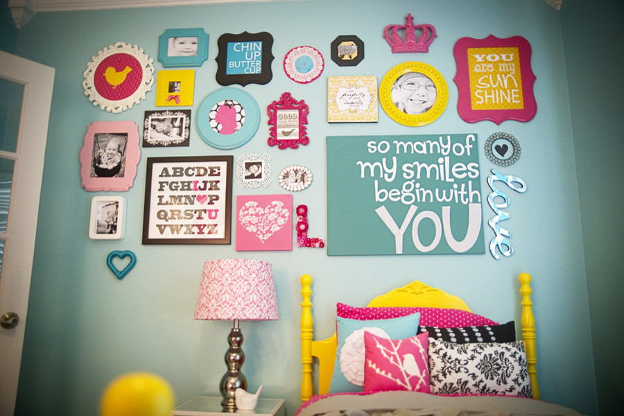 Kids' room - modern kids' room idea in Other