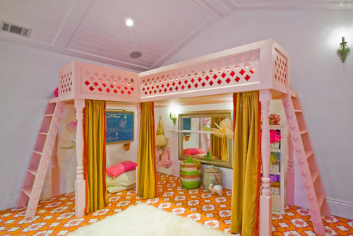 Wonderful We Had To Include This Example; Talk About Making The Most Of Your Space!  The Ballet Barre, Costume Area And Curtains Would Be A Dream For Any Little  Girl.