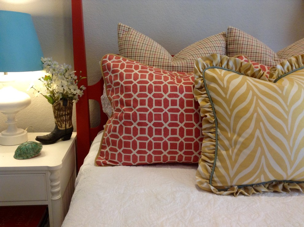 Inspiration for an eclectic kids' room remodel in Oklahoma City