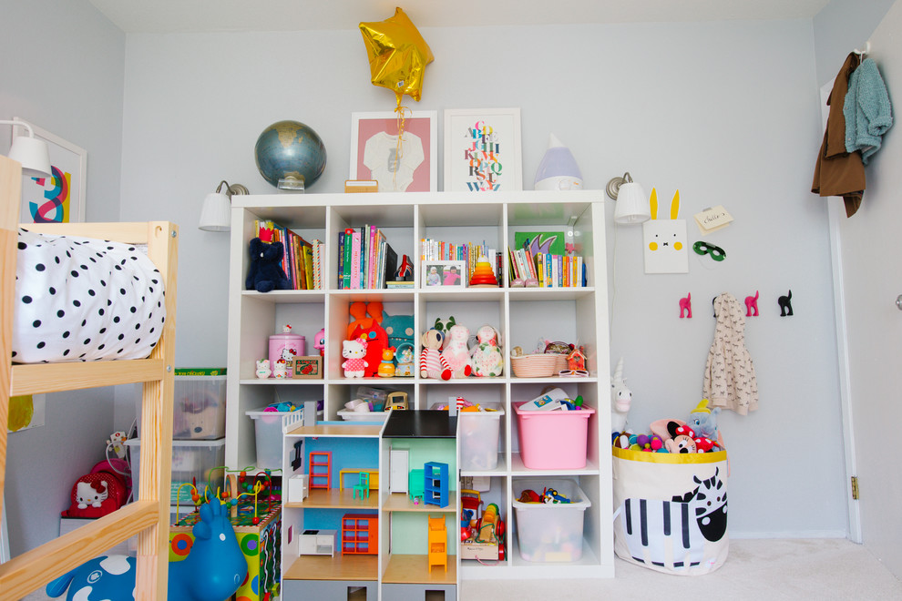 Example of a transitional kids' room design in San Francisco