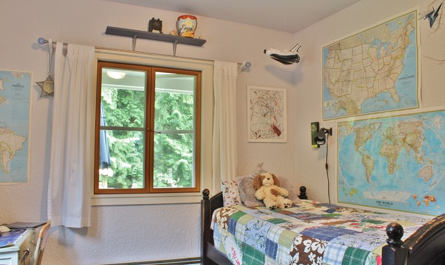 My Houzz: Busy Family Farmhouse farmhouse-kids