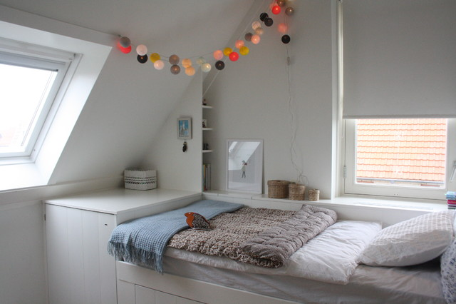 My houzz sophisticated family home breathes scandinavian style modern kinderzimmer - Lichterkette kinderzimmer ...