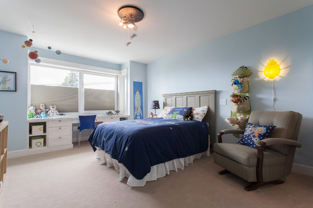 Transitional boy kids' room photo in Vancouver