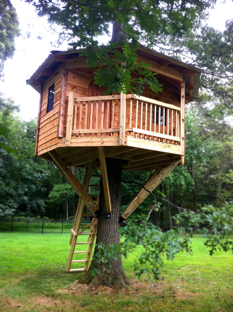 Octagon Cedar Tree House