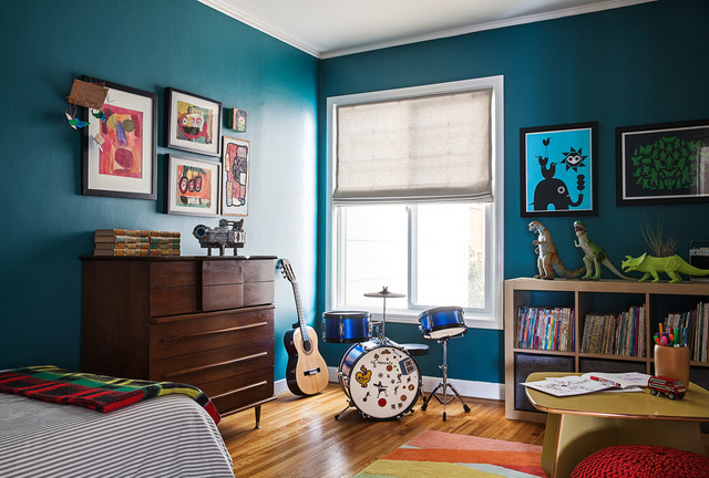 Boy?s Bedroom a Colorful Place for Music, Learning and Fun