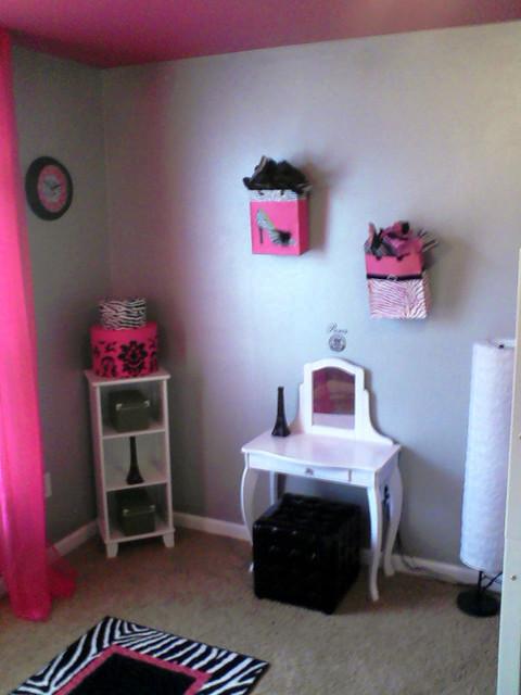 Paris Girl's Room contemporary-kids