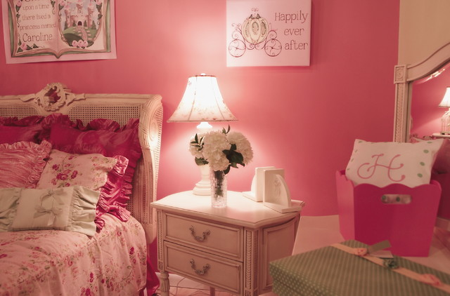 Pink Romantic French Country Girl\'s Bedroom