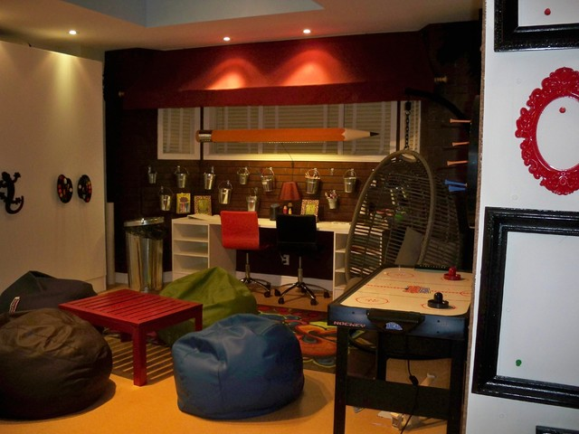 Playroom for teens for Teenage playroom design ideas