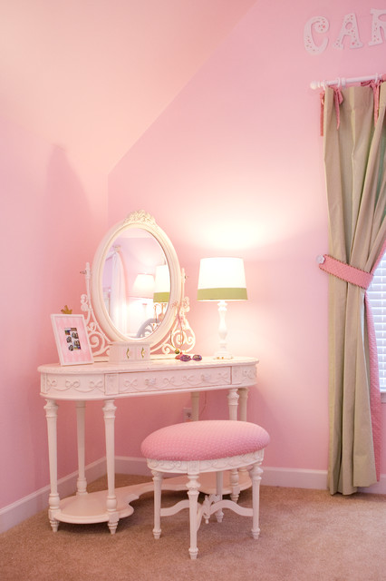 Pretty Shared Bedroom Designs For Girls: Pretty In Pink Little Girls Bedroom