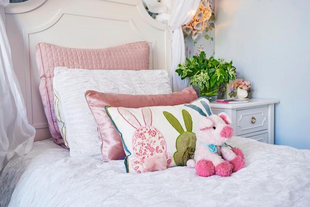 Pretty little girl 39 s room romantique chambre d 39 enfant for Chambre enfant romantique