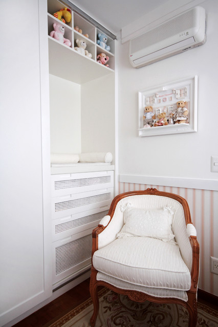 Example of a classic kids' room design in Other