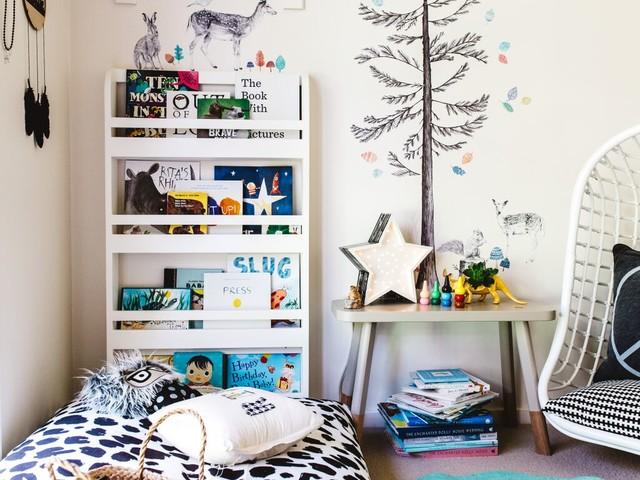 Gemütliche Leseecke für ein Kinderzimmer im skandinavischen Stil