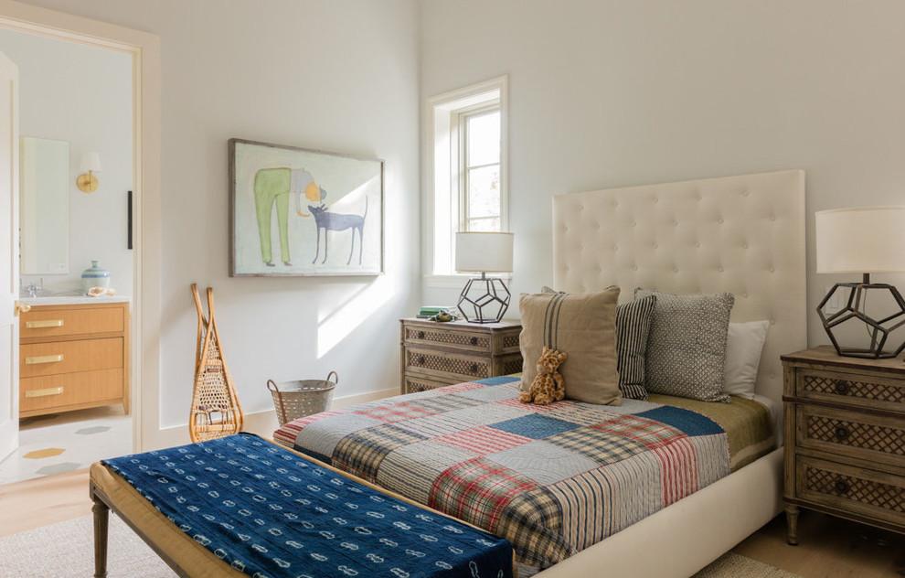 Inspiration for a cottage kids' room remodel in Los Angeles