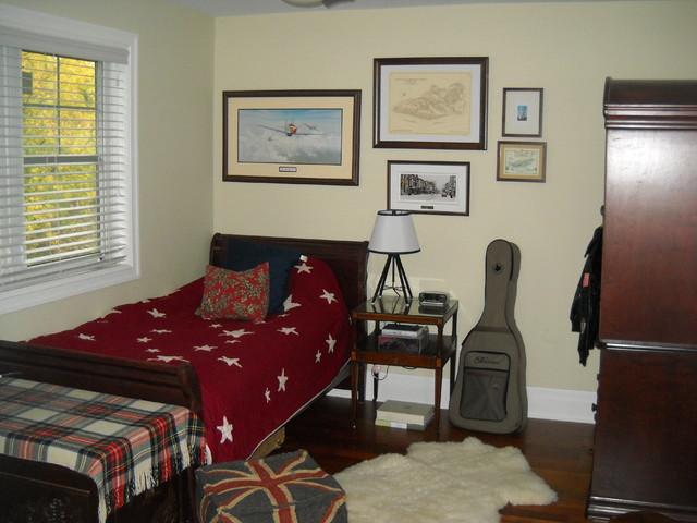 Son's Vintage Explorer's bedroom traditional-kids