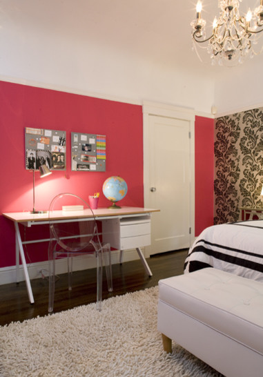 Teenage girls bedroom contemporary bedroom