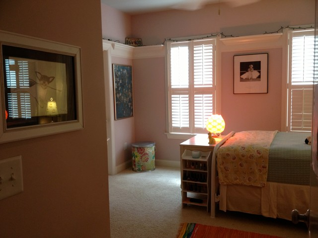 Teenage Girl S Late 60 S Vintage Bedroom American Traditional Kids Raleigh By The Right Space