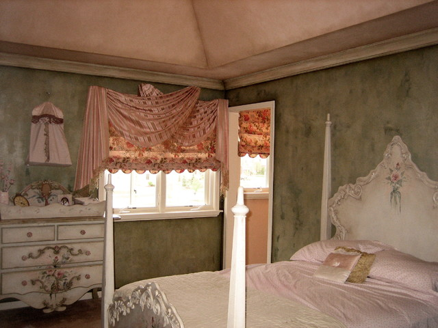 textured walls, ceiling, glazed crown traditional-kids