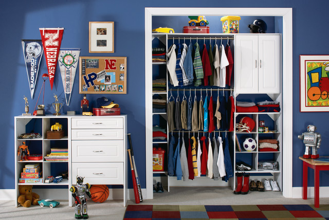 Boy's Bedroom traditional-kids