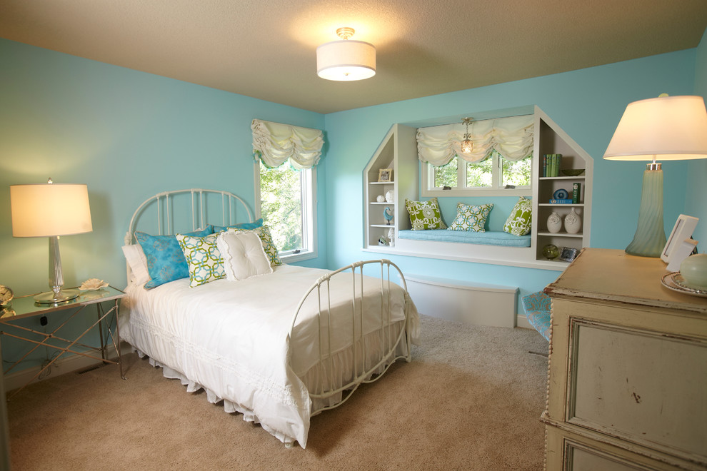 Example of a classic kids' room design in Minneapolis with blue walls